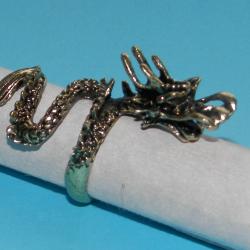 Grote draak ring, goudkleurig, maat 16