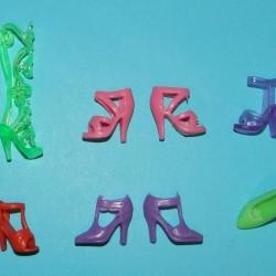 6 Paar schoenen voor Barbie etc. - set CV