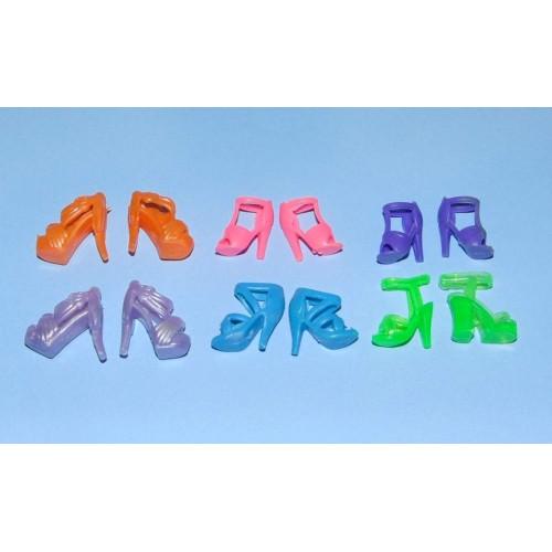 6 Paar schoenen voor Barbie etc. - set DV