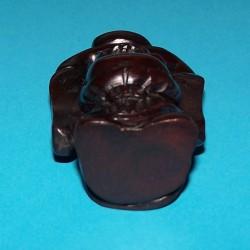 Lachende Boeddha met zilverbaar okimono, donker buxushout