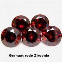 Granaat rode Zirconia - 5mm - briljant geslepen - 3 stuks