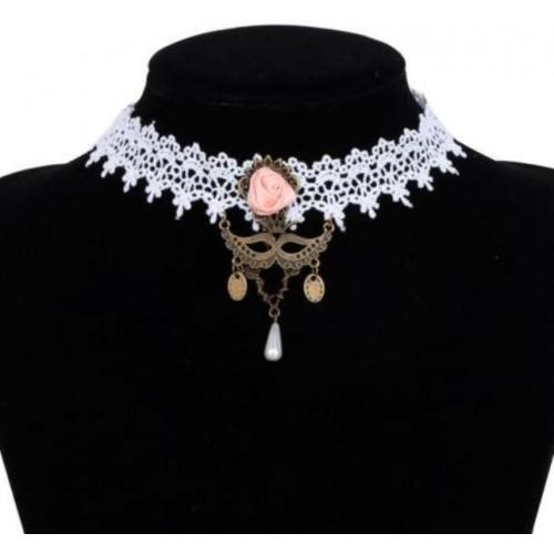 Choker van wit kant met roze roosje en masker hanger