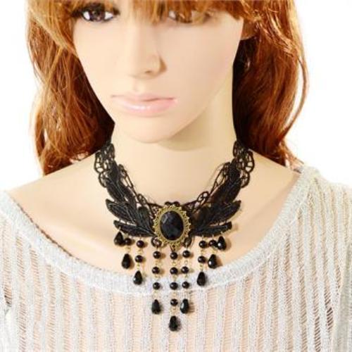 Choker van zwart kant met zwart kristal en beads, model H