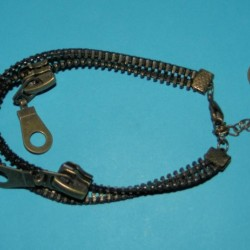 Ritssluiting armbandje, brons