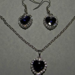 Blauw kristallen ketting en oorbellen, set B