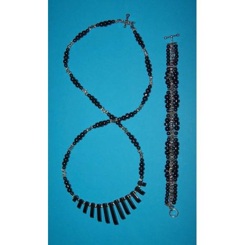 Hematiet en Tibet zilver collier en armband set