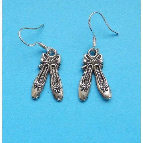 Balletschoen oorbellen, Tibet zilver, model B