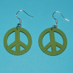 """Groene houten """"Peace"""" oorbellen"""