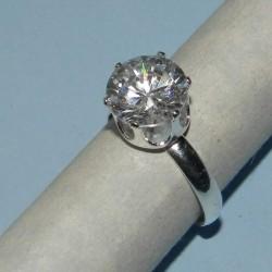 Verstelbare zilveren ring met grote witte Zirconia