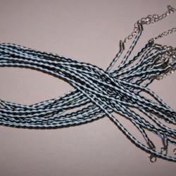Zwart met witte gevlochten leren veter met klauwslotje