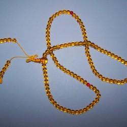 Honingkleurige kristallen mala of gebedsketting