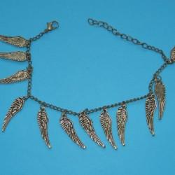 Goudkleurig enkelbandje met vleugeltjes